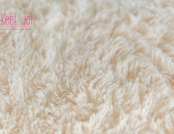 Super soft long pile faux fur Off White