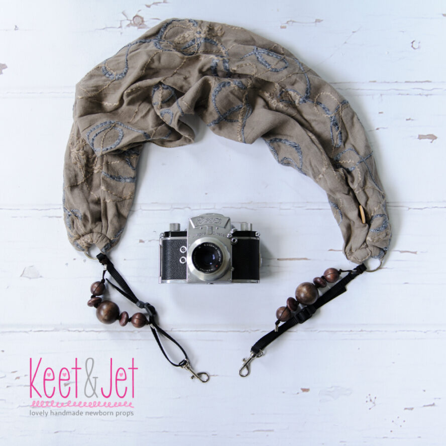 Scarfstrap brown with beads