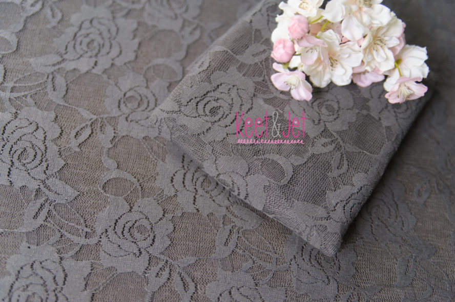 Beanbag lace layer taupe