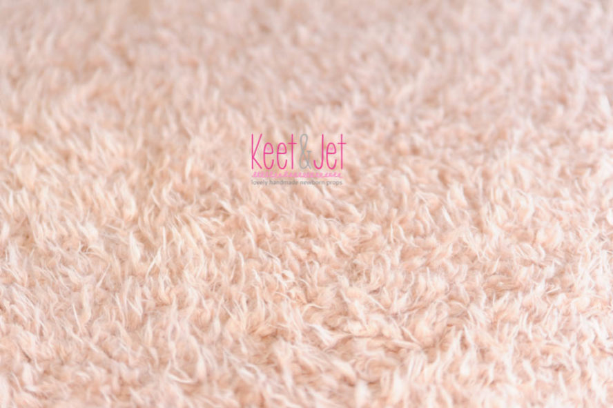 Fluffy faux fur backdrop Roze